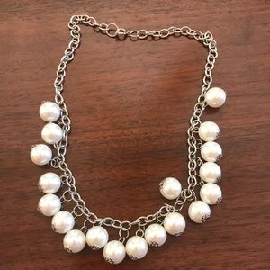 Jewelry - Silver and fake pearl statement necklace